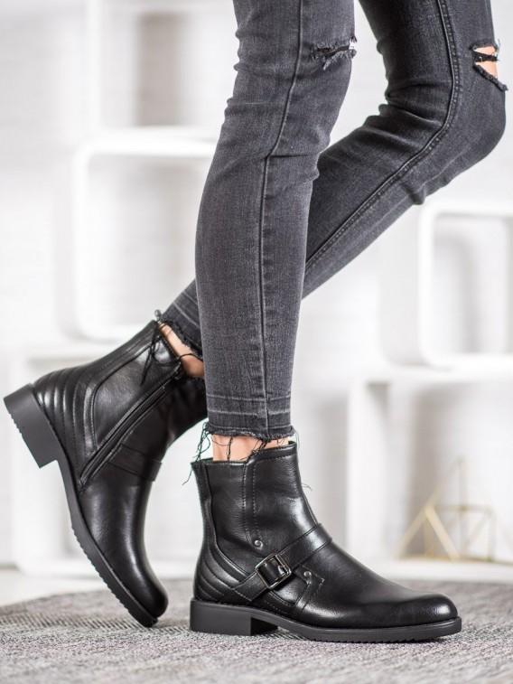 Členkové topánky na plochom podpätku