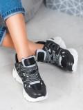 Pohodlné sneakersy z eko kože