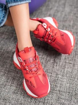 Sneakersy s hadím vzorom na platforme