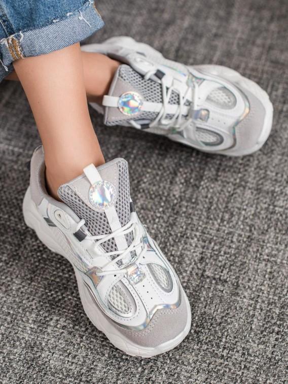 Sneakersy so sieťkou