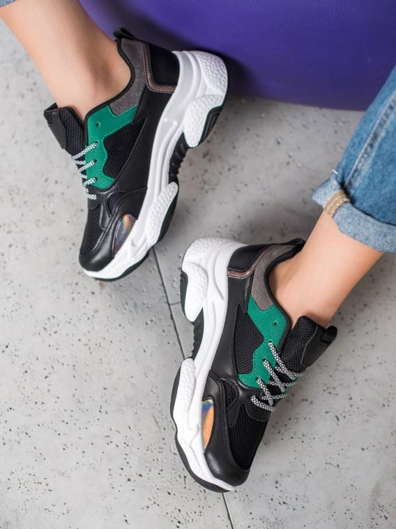 Čierne športové sneakersy