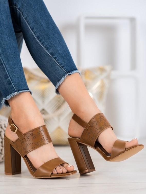 Sandálky so vzorom