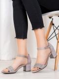 Elegantné sandálky na podpätku