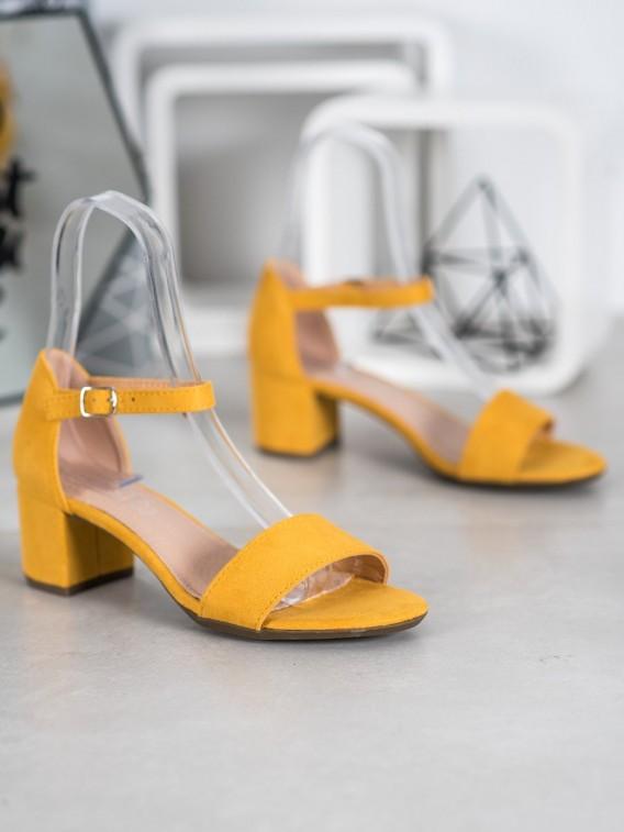 Žlté sandálky na podpätku