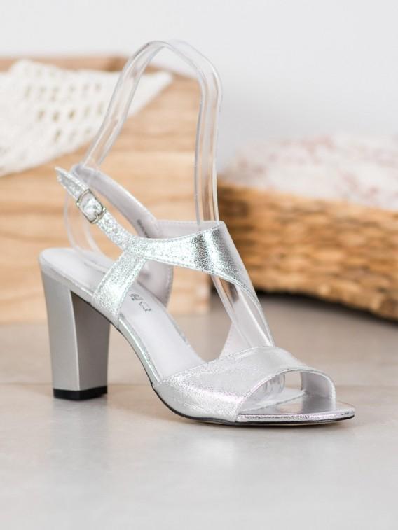 Strieborné sandálky