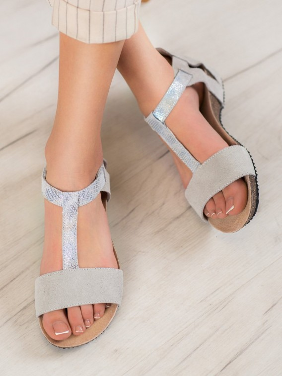 Kožené sandálky
