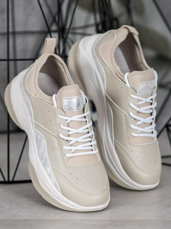 Pohodlné sneakersy na platforme