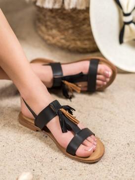 Klasické sandále so strapcami