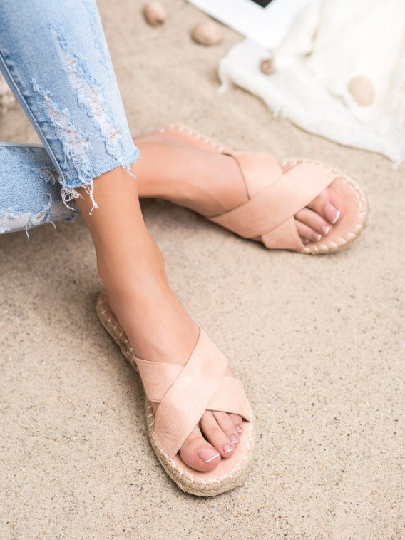Pohodlné semišové šľapky