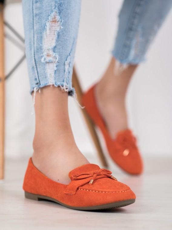 Oranžové mokasíny