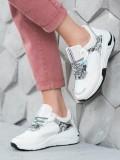 Sneakersy s hadím vzorom