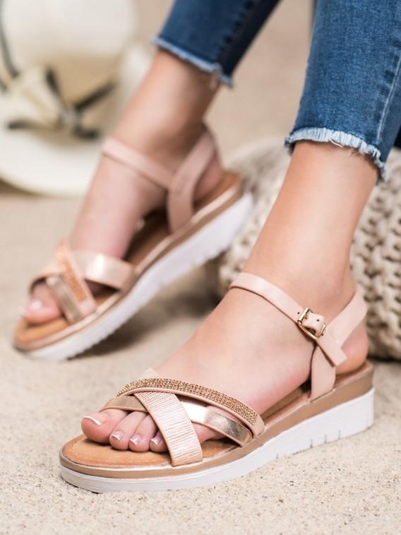 Pohodlné sandálky s kamienkami