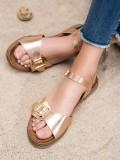 Zlaté sandálky s prackou