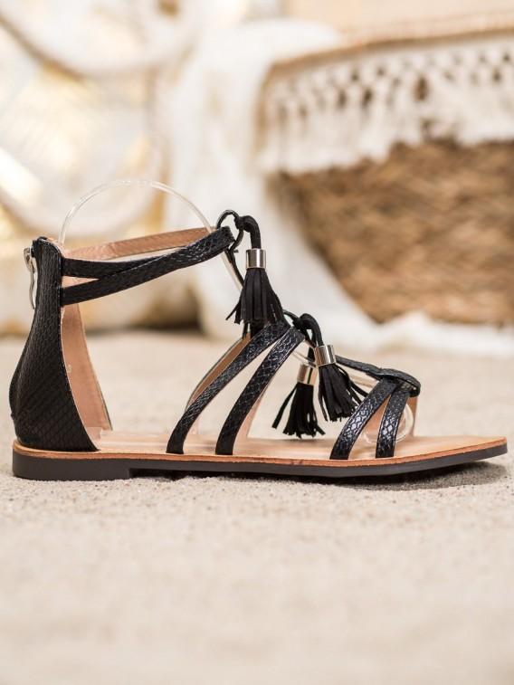 Čierne sandálky so strapcami