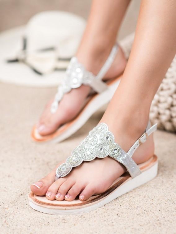Sandálky na platforme s ozdobou