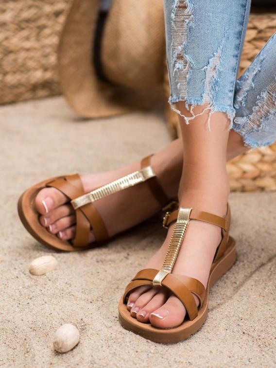 Klasické hnedé sandáleky