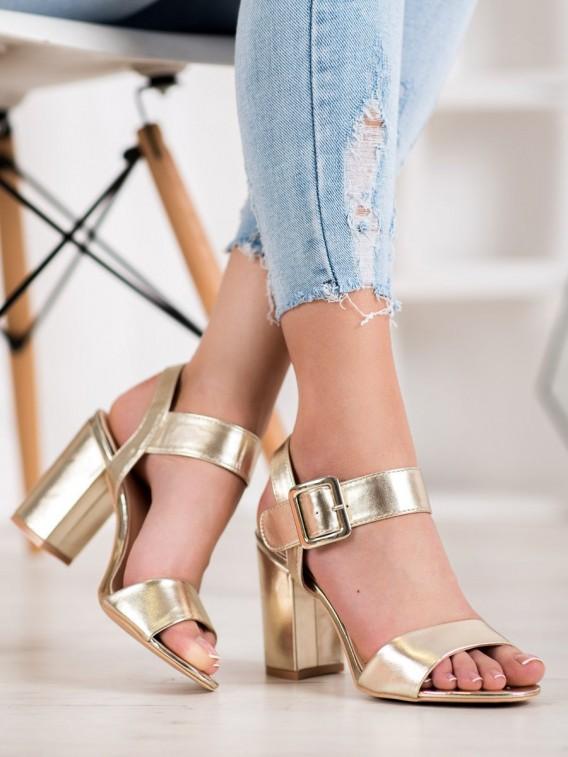 Sandálky na stĺpci z eko kože