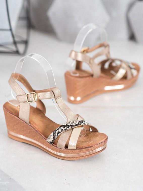 Elegantné sandálky na kline