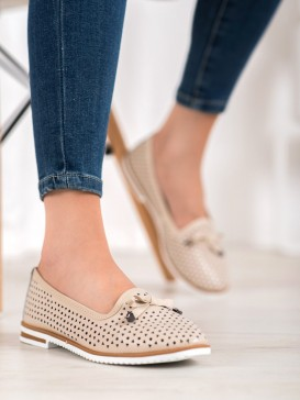 Kožené topánky s dierkovaným vzorom