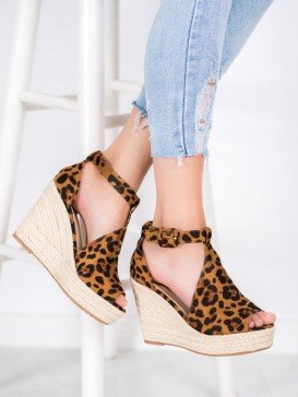 Semišové klinové sandálky