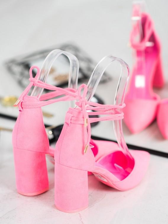 Viazané ružové lodičky