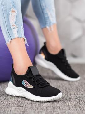 Sneakersy s flitrami