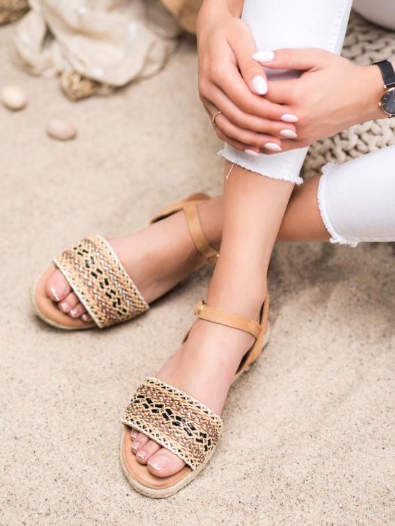 Ľahké plátené sandále