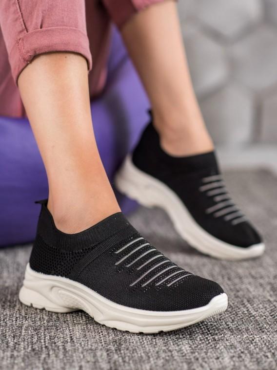 Nazúvacie sneakersy