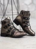 Štýlové členkové topánky s cvokmi