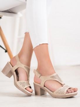 Pohodlné sandálky na suchý zips