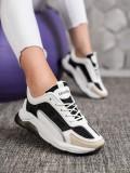 Sneakersy s brokátom Fashion