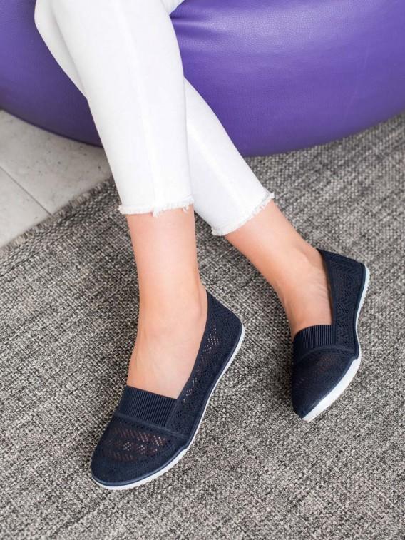 Nazúvacie dierkované topánky