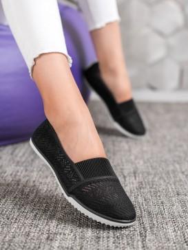 Nazúvacia dierkovaná obuv