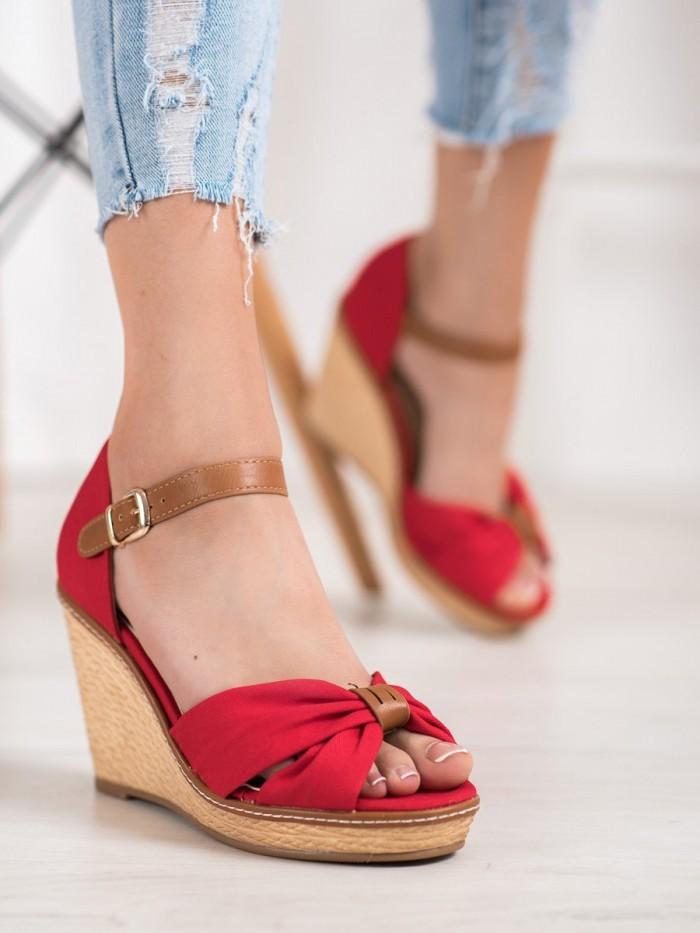 Sandale na ihličkovom podpätku s guličkami