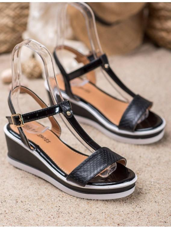 Čierne topánky na kline z eko kože