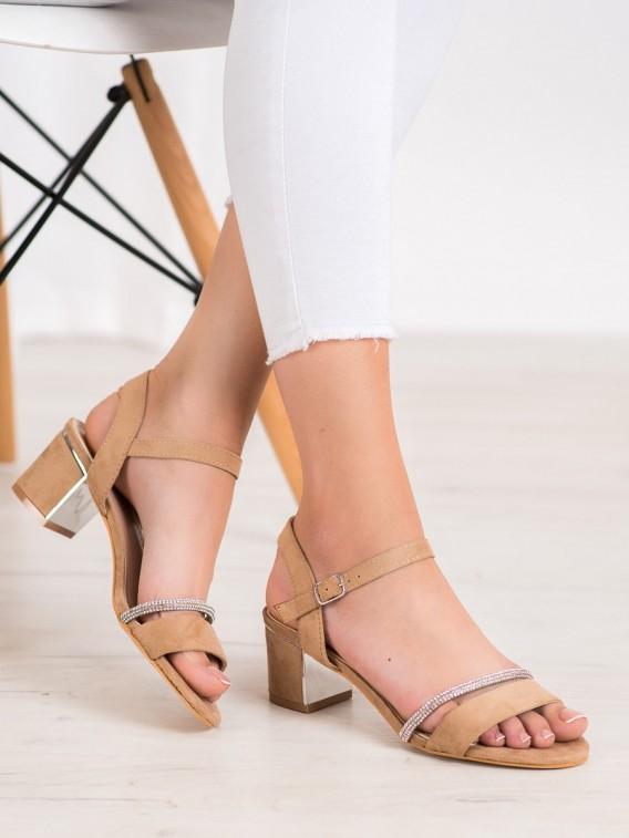 Sandálky na stĺpci so zirkónmi