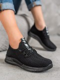 Čierne dierkované topánky