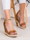 Semišové sandálky na kline