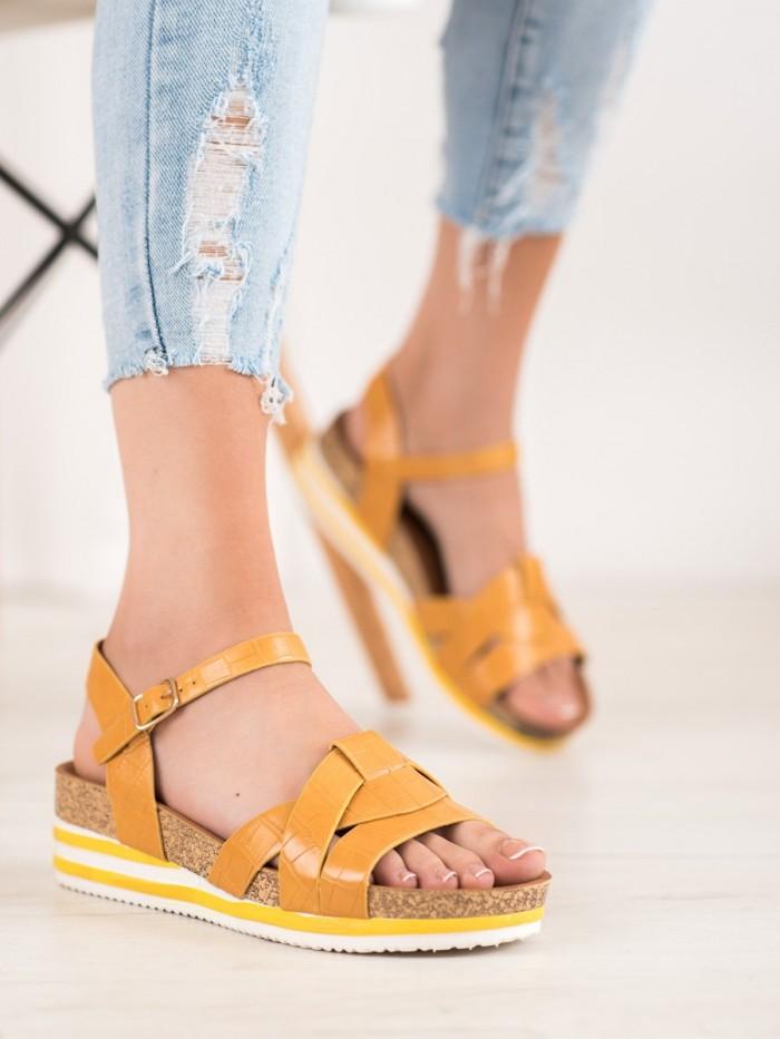 sandále na ihličkovom podpätkoch