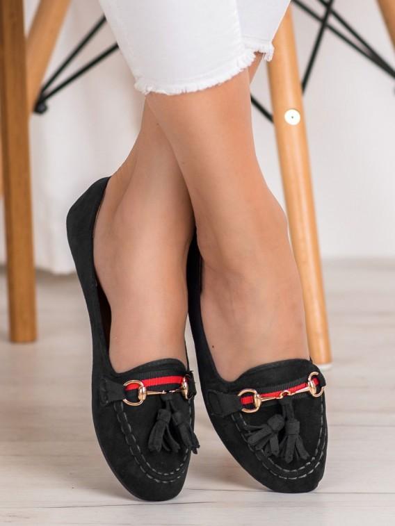 Čierne mokasíny so strapcami