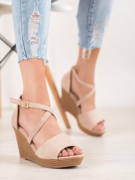 Béžové semišové topánky na kline