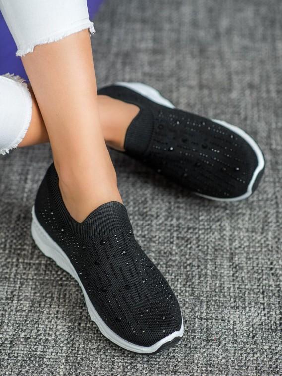 Nazúvacie topánky s kamienkami