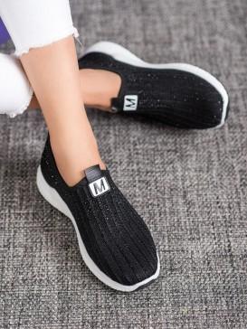 Čierne topánky s kryštálmi