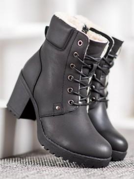 Viazané neformálne topánky
