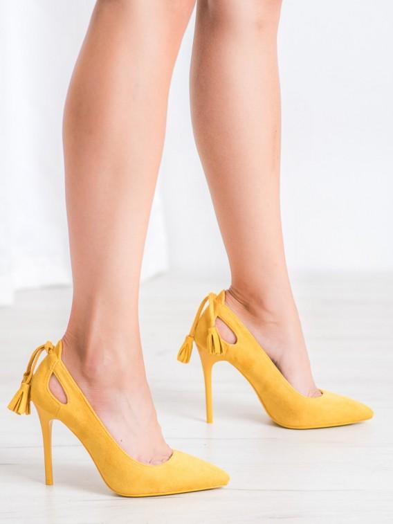 Žlté lodičky so strapcami