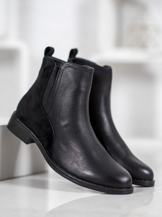 Elegantné čierne topánky