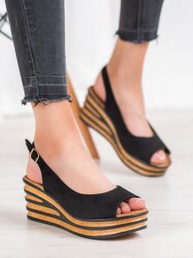 Ľahké semišové sandále