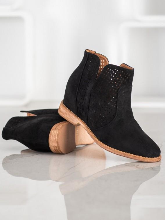Klasické čierne kovbojky