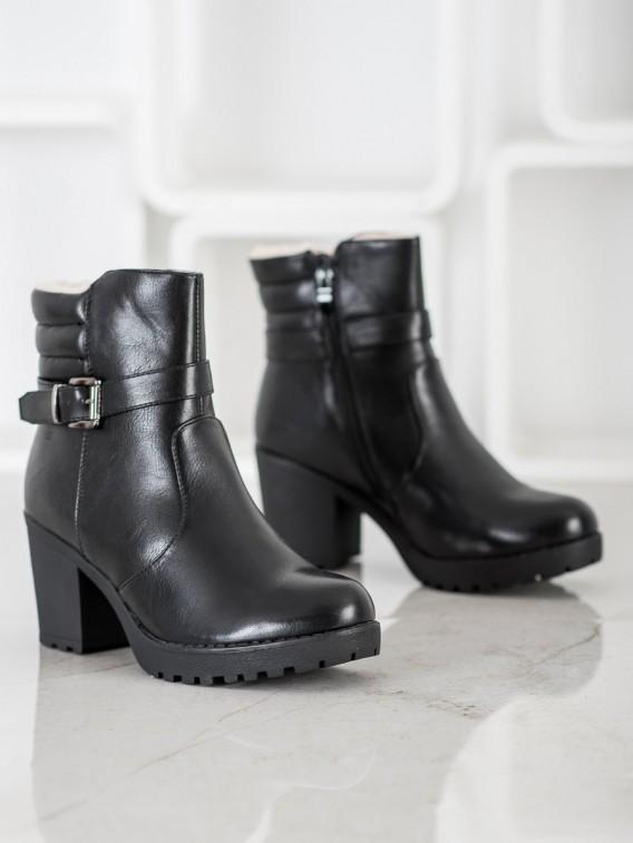 Pohodlné členkové topánky z eko kože