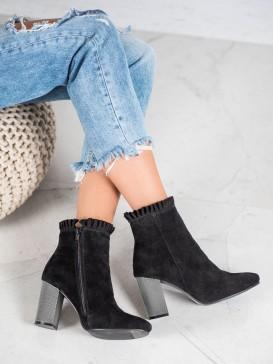 Kožené topánky s volánikom